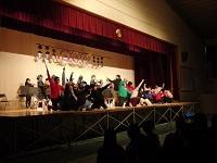 教員のダンス